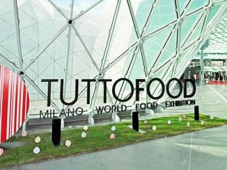 TUTTOFOOD Gives 700kg of Frozen Food to Charity